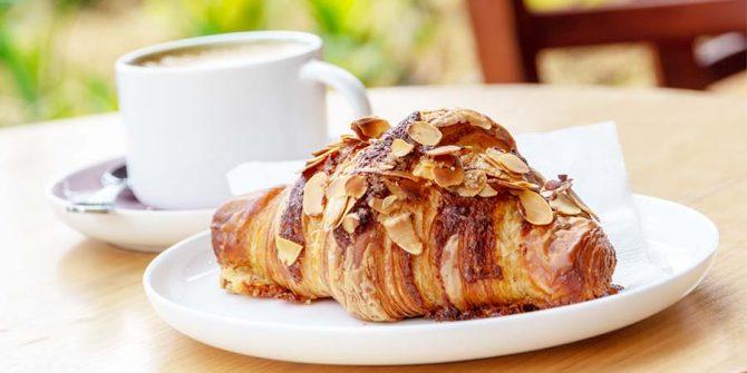 CoffeeCroissant_5312