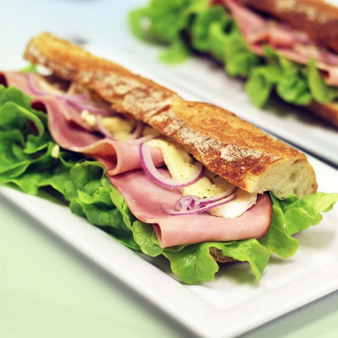 TUESDAY to FRIDAYFresh Sandwiches