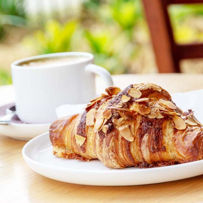 Coffee & Croissant!